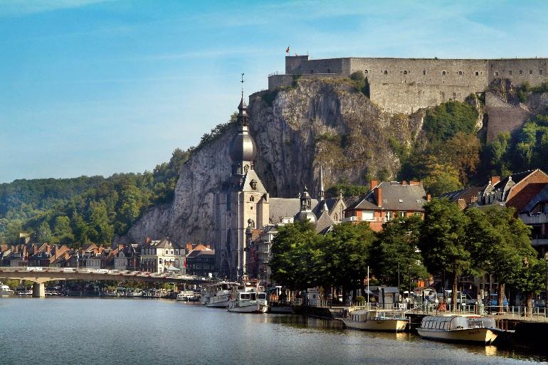 La ciudadela de Dinant ha protegido a la ciudad valona de los conflictos bélicos que han tenido lugar en sus alrededores