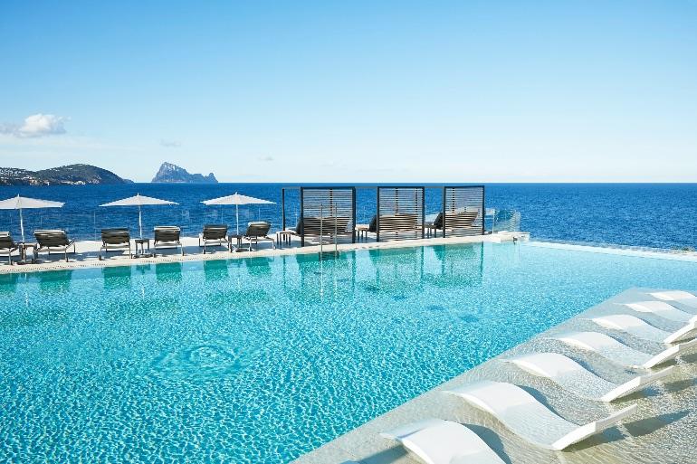 Infinity Pool del 7Pines Kempinski Ibiza