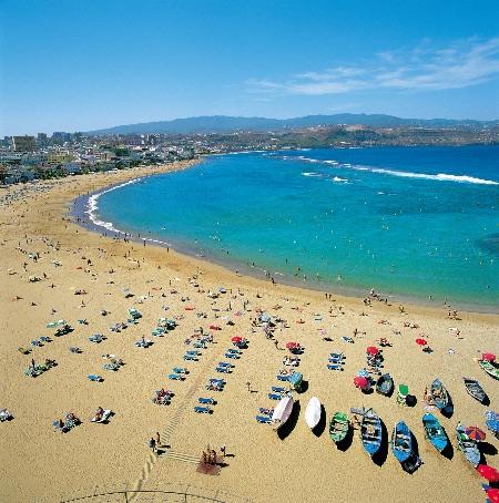 Playa de Las Canteras, en Las Palmas de Gran Canaria © Turismo Gran Canaria