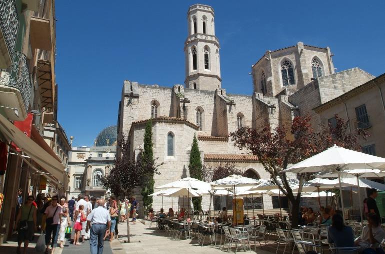 Plaza Iglesia © Iglesies