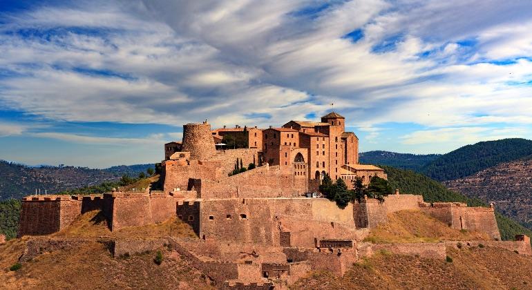 El castillo de Cardona, en el Bages, es una de las construcciones más emblemáticas de esta comarca barcelonesa