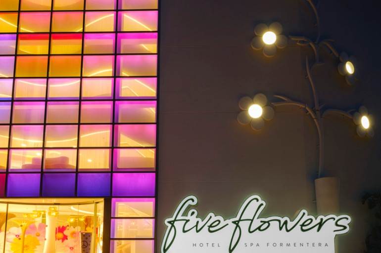 Five Flowers Hotel & Spa