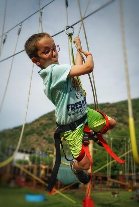 En el Parque Acrobático Cims d'Aventura los niños ponen a prueba sus reflejos