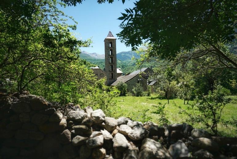 El campanario de Santa Eulàlia de Erill la Vall es el más destacado de todo el conjunto monumental de Vall de Boí