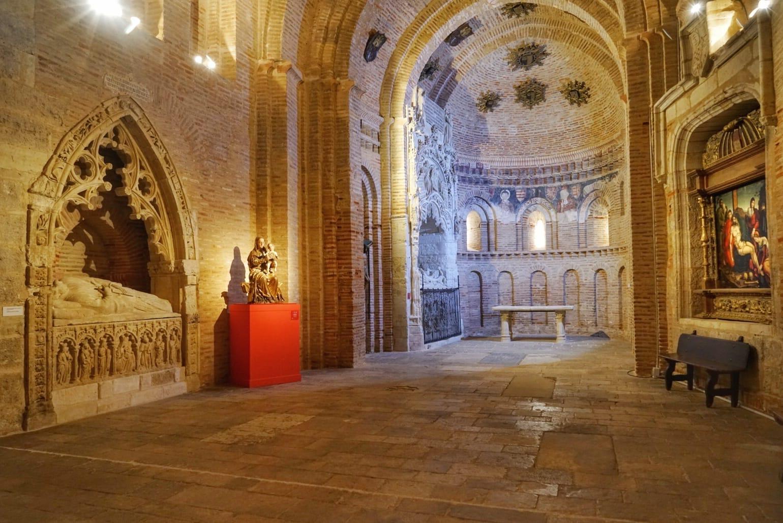 Interior de la iglesia mudéjar de San Lorenzo el Real