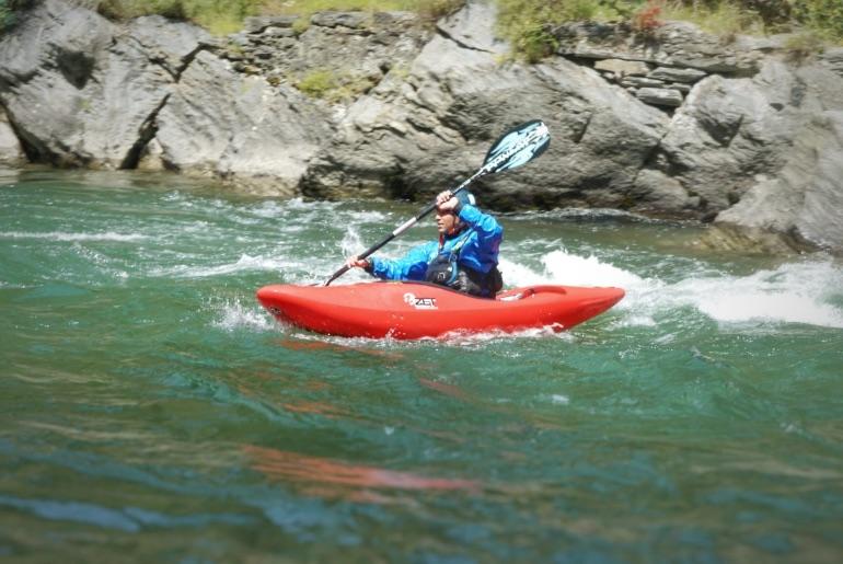 Kayak en el río Noguera Pallaresa