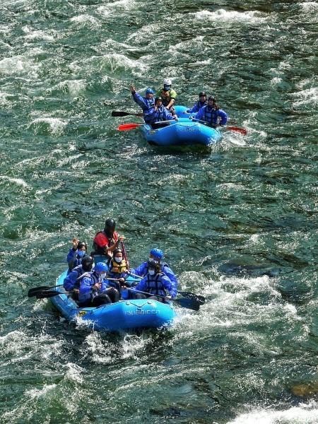 La bajada en rafting por el Noguera Pallaresa es, sencillamente, adrenalítica