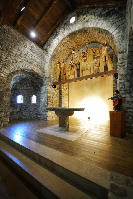 Interior de la iglesia de Santa Eulàlia en Erill la Vall