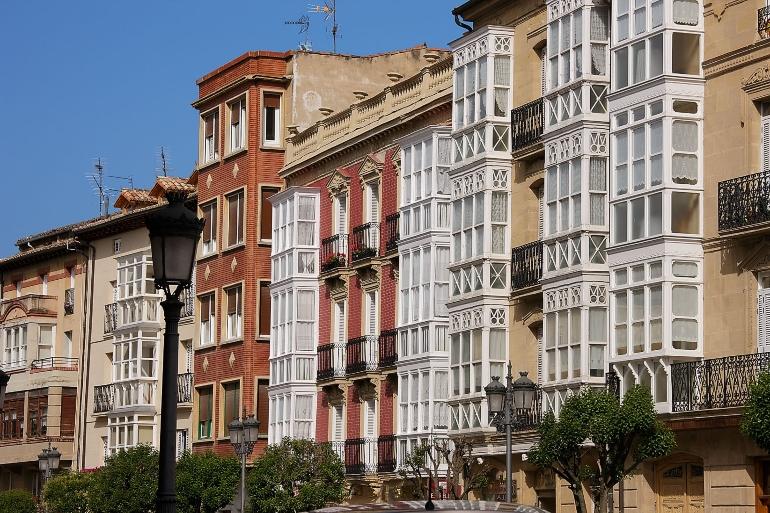 Balcones en la calle Virgen de la Vega de Haro