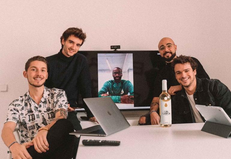 Los cinco impulsores del proyecto ¡Ojo! Cría cuervos