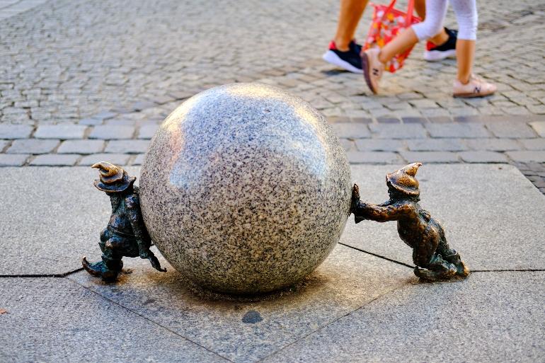 Esculturas de gnomos o krasnales