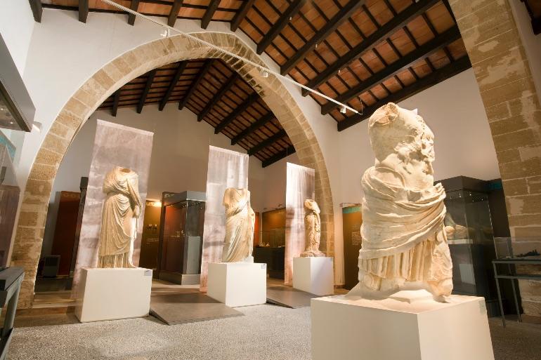 La mayoría de las piezas que se exponen en el museo pertenecen a la época de mayor esplendor de Pollentia