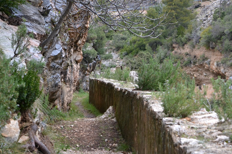 Antigua acequia de la minicentral hidroeléctrica de Bonet