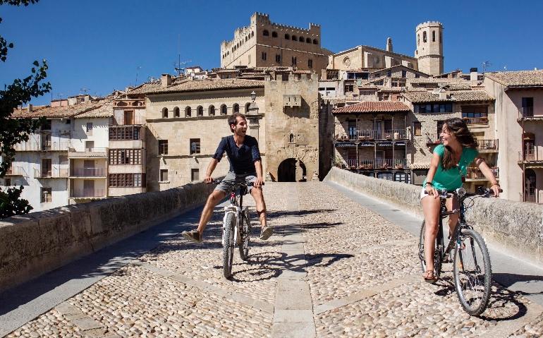 Las excursiones en bici son el pan de cada día en Valderrobles