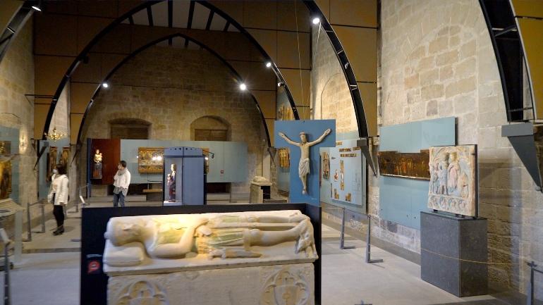 El Museo Diocesano y Comarcal de Solsona cuenta con una vasta colección de pintura y arte sacro