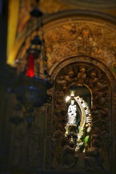 La Virgen del Claustro es una escultura tallada en piedra, actual Patrona de la ciudad de Solsona, Cataluña
