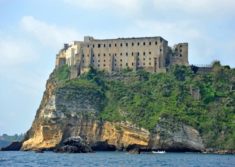 Castillo de Procida o Palazzo d'Avalos, que fue un centro penitenciario