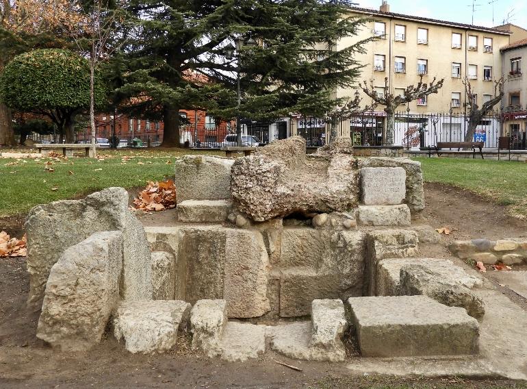 Los restos del antiguo canal están en el Jardín del Cid
