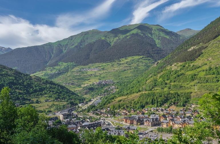 Vielha, capital de la Val d'Aran © Val d'AranPhotos