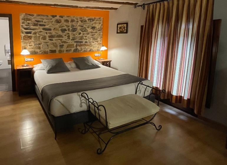 Habitación del Hotel La Fonda de La Estación, en La Puebla de Valverde