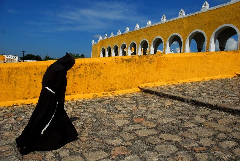 Misionero franciscano en Izamal