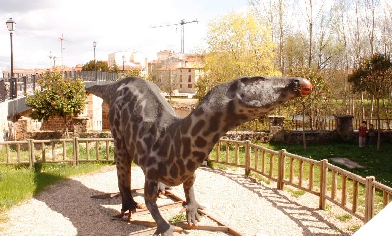 Dinosaurio en Salas de los Infantes