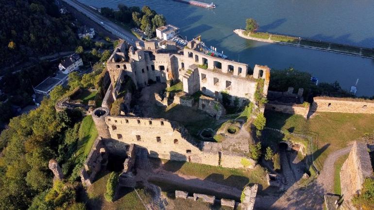 Vistas en dron del castillo de Rheinfels